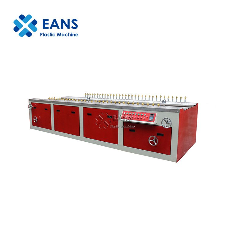 China Wood Plastic Composite WPC Hollow Decking Production Machine Line